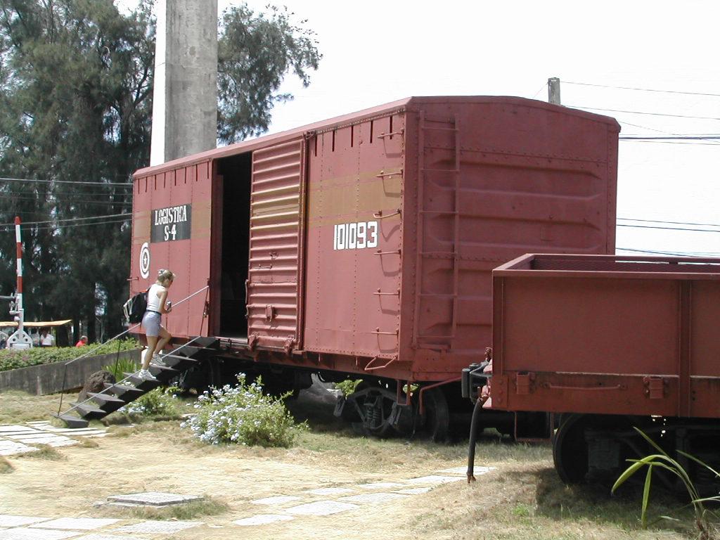 Tren_blindado-Santa_Clara_(Cuba)-Che_Guevara-Flikr-emeryjl-388610245_(CC-BY)